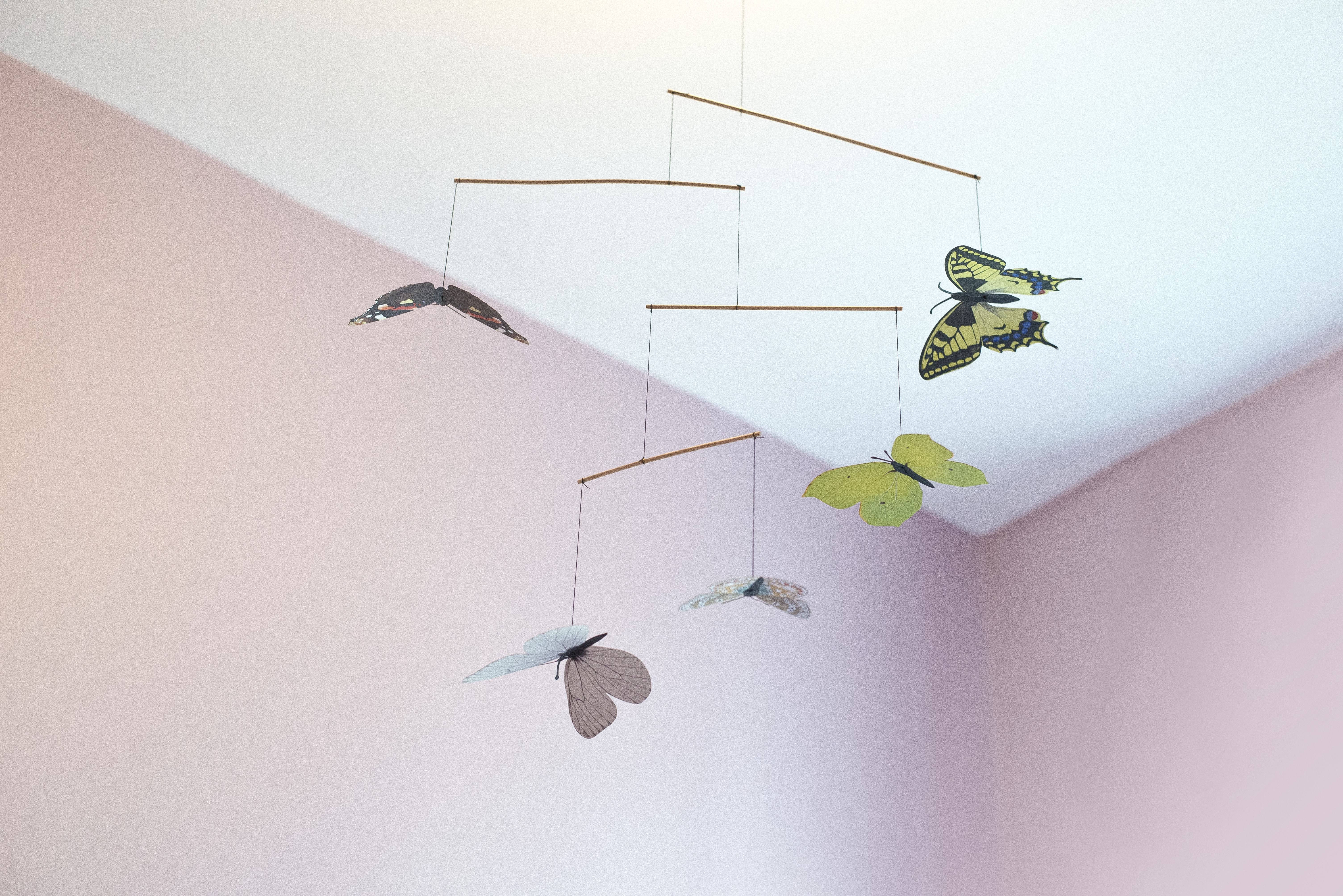mobile papillon. Black Bedroom Furniture Sets. Home Design Ideas